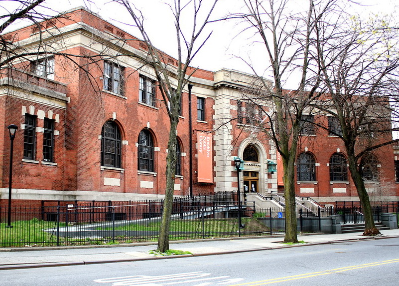 Williamsburg public library